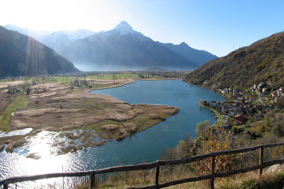 Il lago di Mezzola. (Foto: Gianni Bragante)